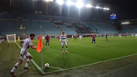 UEFA punishes CSKA Moscow for racist, violent fans with