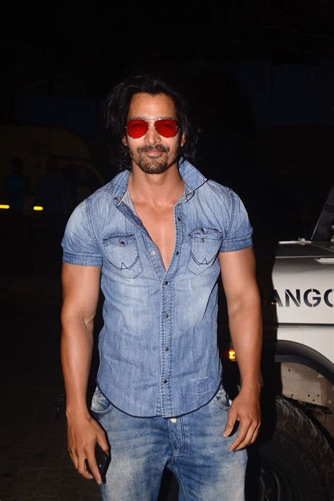 Harshvardhan Ranes Outfit Is The Best Way Of Getting Free