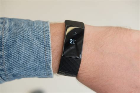 Fitbit Charge 3 first look: An updated design and swimming