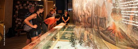 Abenaki Museum - First Nations and Inuit cultures - Museum