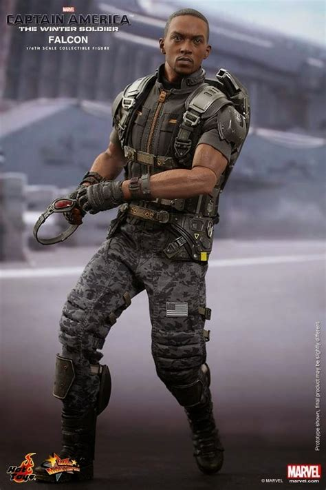 GeekMatic!: Hot Toys Preview: Sam Wilson aka The Falcon!
