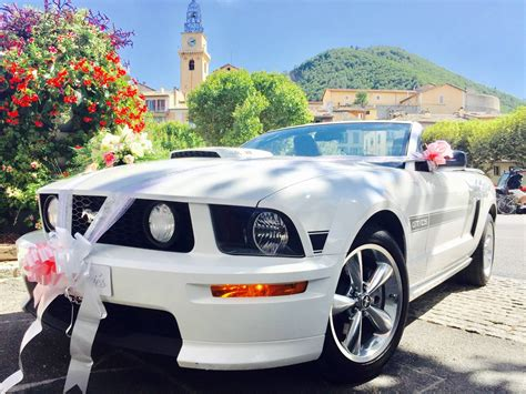 Location Ford Mustang cabriolet blanche pour mariage avec