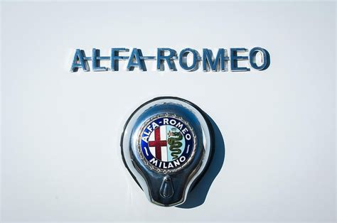 17 Best images about Alfa Romeo Logos - Brochures